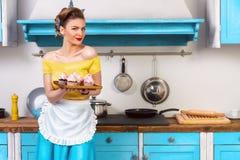 Retro huisvrouw van de speld omhoog kleurrijke vrouw Stock Afbeelding