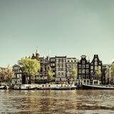 Retro immagine disegnata di un canale di Amsterdam immagine stock