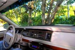 Retro interiore dell'automobile nella giungla in riviera Mayan Immagine Stock Libera da Diritti