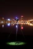 Retro kamera nattsikten av staden Royaltyfri Bild