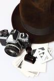 Retro- Kamera u. Fedora Hat Lizenzfreies Stockbild