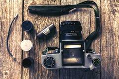 Retro- Kameras und Fotos Lizenzfreie Stockbilder