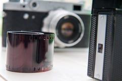 Retro kameror och film Royaltyfri Bild
