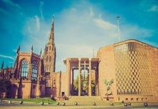 Retro kijk de Kathedraal van Coventry Stock Foto