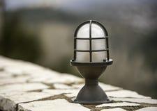 Retro klassieke elektrische het ijzerlamp van de stijlstraat Stock Afbeelding