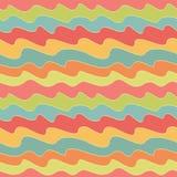 Retro kleurrijk golfpatroon Pop naadloze achtergrond Stock Foto's