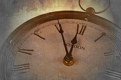 Retro klocka med fem minuter för tolv Royaltyfri Bild