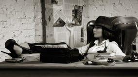 Retro kriminalare i den detektiv- byrån Arkivbild
