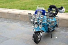 Retro Lambretta för tappning motorisk sparkcykel Royaltyfri Fotografi