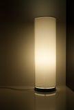Retro lamp op een glanzende lijst Royalty-vrije Stock Foto's