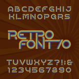 Retro lampasa abecadła wektorowa chrzcielnica Ostry typ listy i liczby w 70 ` s stylu royalty ilustracja
