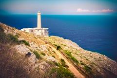 Retro latarnia morska ślad w - Otranto, Salento, Włochy, Apulia regionie - zdjęcia stock