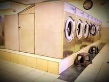 Retro lavanderia automatica Fotografia Stock Libera da Diritti