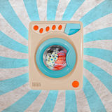 Retro lavatrice variopinta Fotografie Stock Libere da Diritti