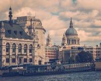 Retro Londen Stock Afbeeldingen