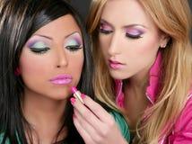 retro läppstift för flickor för barbiedockamode Arkivbilder