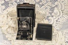 Retro macchina fotografica di piegatura Fotografie Stock Libere da Diritti