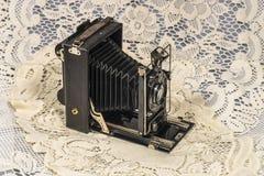 Retro macchina fotografica di piegatura Immagine Stock