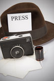 Retro macchina fotografica & Fedora Hat Immagine Stock Libera da Diritti