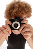 Retro man som använder den Retro kameran Fotografering för Bildbyråer