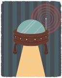 Retro manifesto disegnato UFO Illustrazione di vettore Fotografia Stock Libera da Diritti