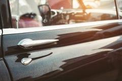 Retro maniglia di porta di stile dell'automobile classica d'annata dell'automobile Immagine Stock
