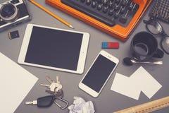 Retro maszyna do pisania biurka bohatera chodnikowiec zdjęcie stock