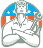 Retro mekanikerArms Crossed Wrench USA flagga Royaltyfri Fotografi