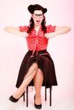 retro Menina irritada do pinup nos monóculos que grita Imagem de Stock Royalty Free