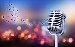 Retro microfono di stile Immagine Stock