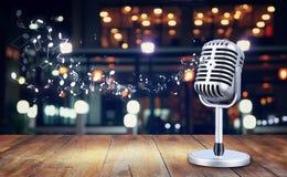 Retro microfono di stile Fotografia Stock Libera da Diritti