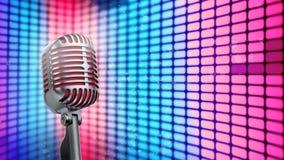 Retro microfoon op stadslichten dat wordt geïsoleerd royalty-vrije stock foto's