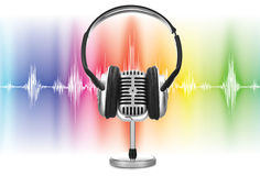Retro microphone with audio wave Royalty Free Stock Photos