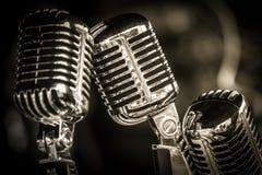 Retro mikrofoncloseup Arkivbild