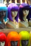 Retro mod peruki na mannequin głowach Zdjęcia Royalty Free