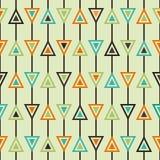 Retro modello senza cuciture con i triangoli Fondo geometrico nei colori d'annata Fotografia Stock Libera da Diritti