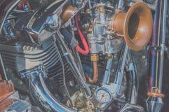 Retro motorcykel för närbild, för kylsystem och för motor Arkivbild