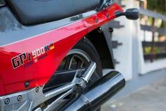 Retro- Motorrad Kawasakis GPZ draußen fotografiert Legendäres Fahrrad vom Film Top Gun Lizenzfreie Stockbilder
