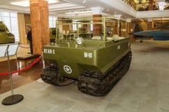 Retro museum för militär historia för stridpansarbilutställning, Ekaterinburg, Ryssland, 05 03 2016 år Arkivfoto