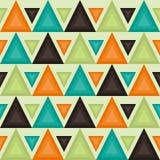 Retro- Muster mit Dreiecken Nahtloser geometrischer Hintergrund in den Weinlesefarben Lizenzfreies Stockbild