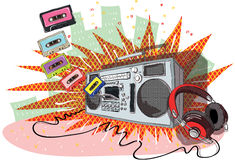 Retro Muzieksamenstelling met boom-doos, hoofdtelefoons en banden Royalty-vrije Stock Afbeeldingen