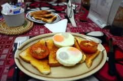 Retro śniadanie w starej kawiarni Zdjęcia Stock