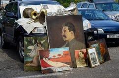 Retro olieverfschilderijen die van Sovjetperiode Stalin, de vlooienmarkt van Tbilisi vertegenwoordigen Stock Afbeeldingen
