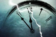Retro orologio con cinque minuti prima di dodici Fotografia Stock Libera da Diritti