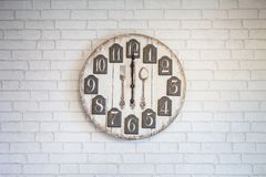 Retro orologio di parete d'annata Fotografie Stock