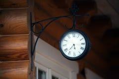 Retro orologio esterno Immagine Stock Libera da Diritti