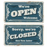 Retro otwarty, zamknięty wektorowy sklep i podpisujemy z ośniedziałą metal teksturą ilustracja wektor