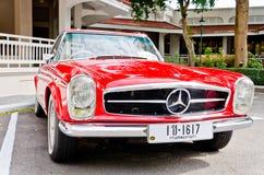 Retro parata 2011 dell'automobile dell'annata della visualizzazione Immagine Stock