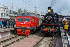 Retro parowych lokomotyw parada w Petersburg Zdjęcia Royalty Free
