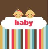 Retro pasgeboren babykaart met jongen en een meisje stock illustratie